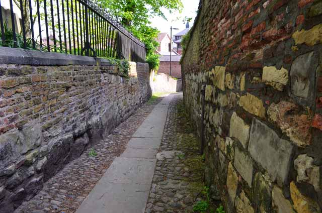 york walls on ancient city